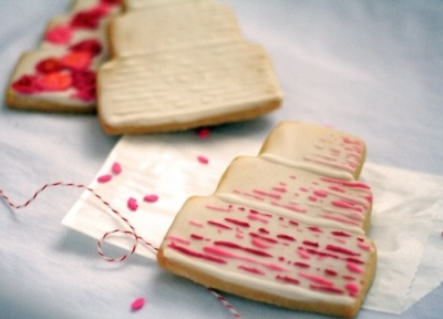 ombre wedding cake cookie favors
